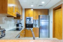 Spacious Apt w/ Beach, Pool and Marina Access