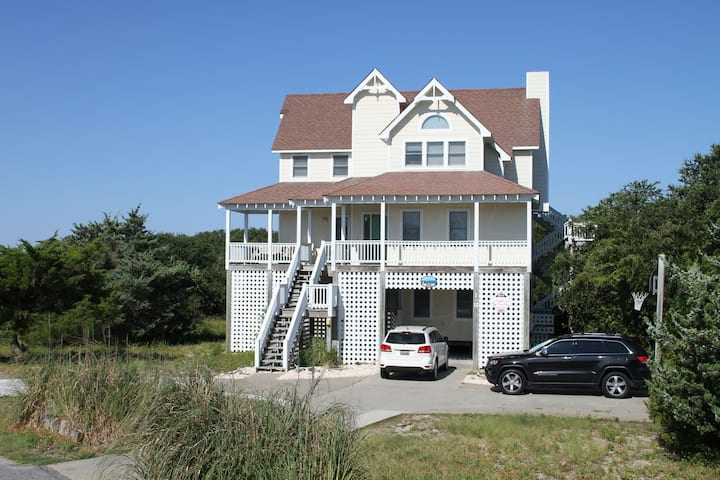 Waterfront, Dog-Friendly Home w/ Private Pool, Hot Tub, Pool Table & Fireplace!