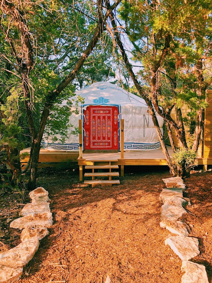 NEW Luxury Yurt Collective w/Private Baths & River