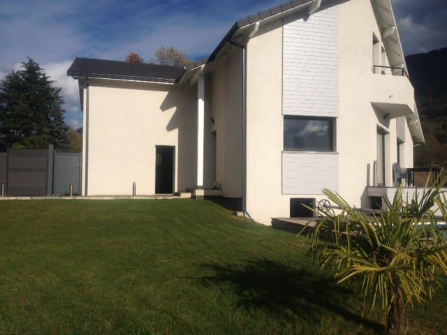 Location maison avec piscine - Vaulnaveys-le-Haut - House