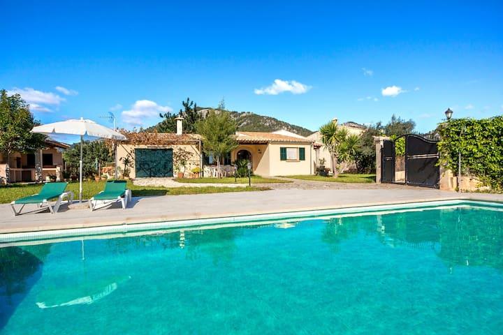Rural villa with pool – Villa Tabo
