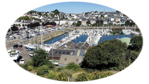 T 2 en duplex face au port de plaisance