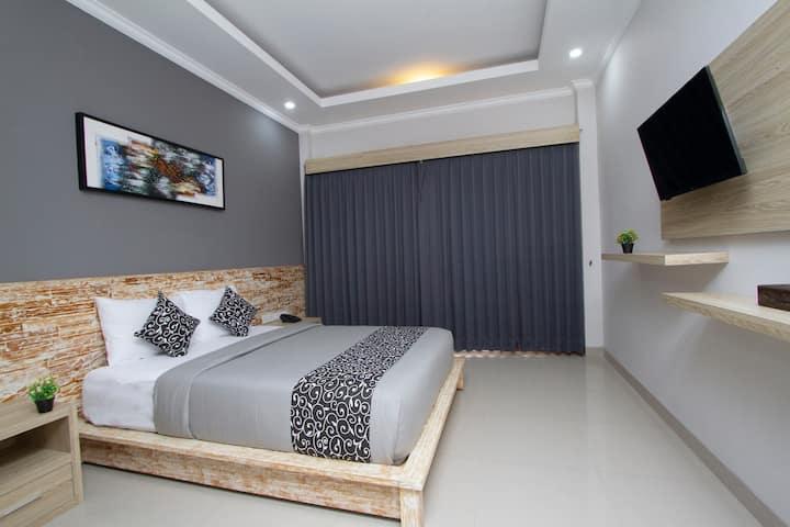 Cozy Room with Outdoor Pool in Seminyak II