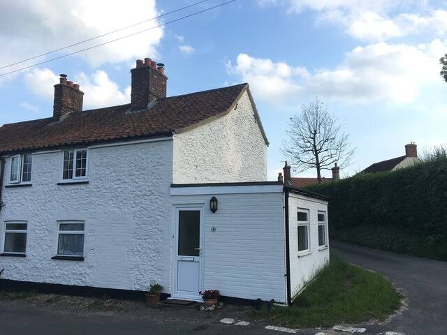 Recently refurbished  2 Bed cottage in Castle Acre