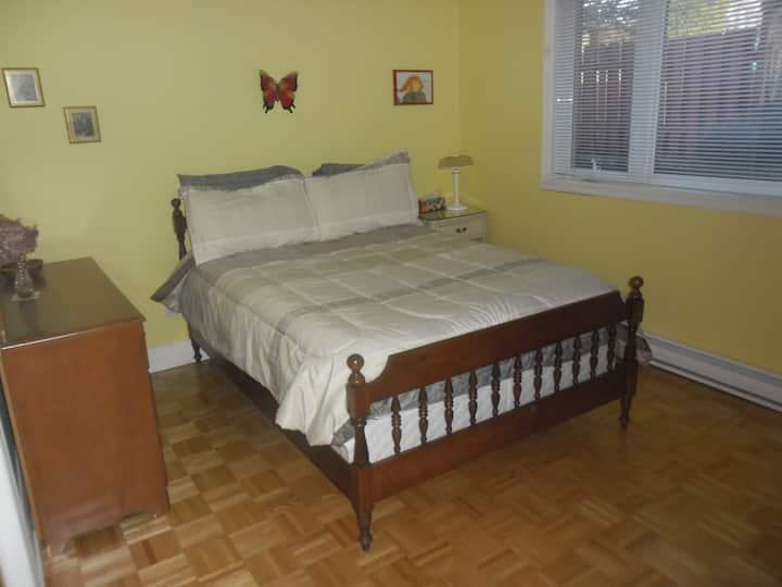 Chambre-prix modique/ Low-rate room (CITQ 296358)