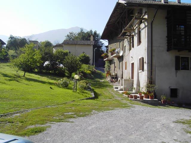 Casa alla vecchia cornalera (Kornelkirsche)