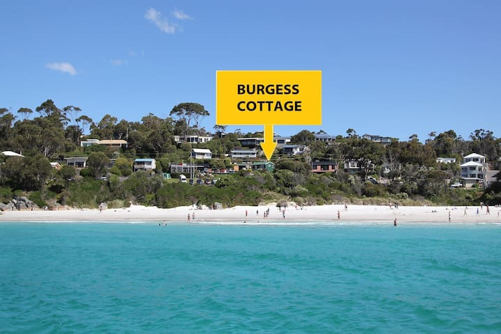 BURGESS COTTAGE Waterfront at the Bay of Fires