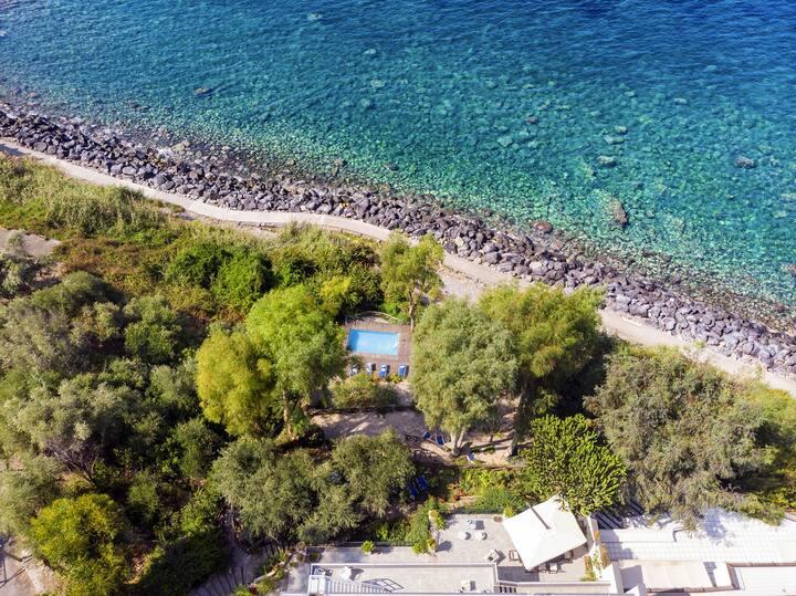 Sea front private villa with pool