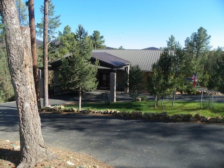 Casa Ruidoso -Retreats, Reunions, Golf, Ski, Racin