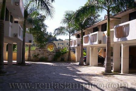 Recamara Amueblada en Residencial Nautico Chairel - 坦皮科(Tampico)