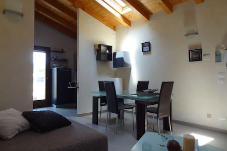 Caloroso e tranquillo appartamento - San Vito al Tagliamento - อพาร์ทเมนท์