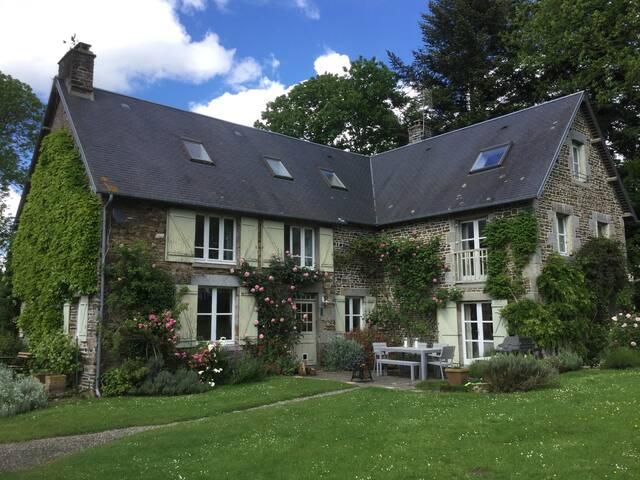 Elegant 5 bed farmhouse