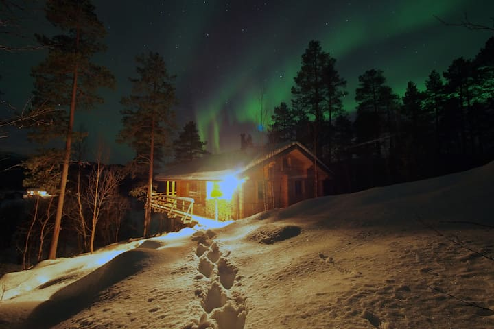 Cozy chalet, ideal place to admire Northern Lights