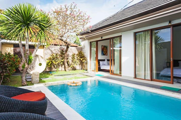 Jimbaran、Kuta Private villa,totally single room