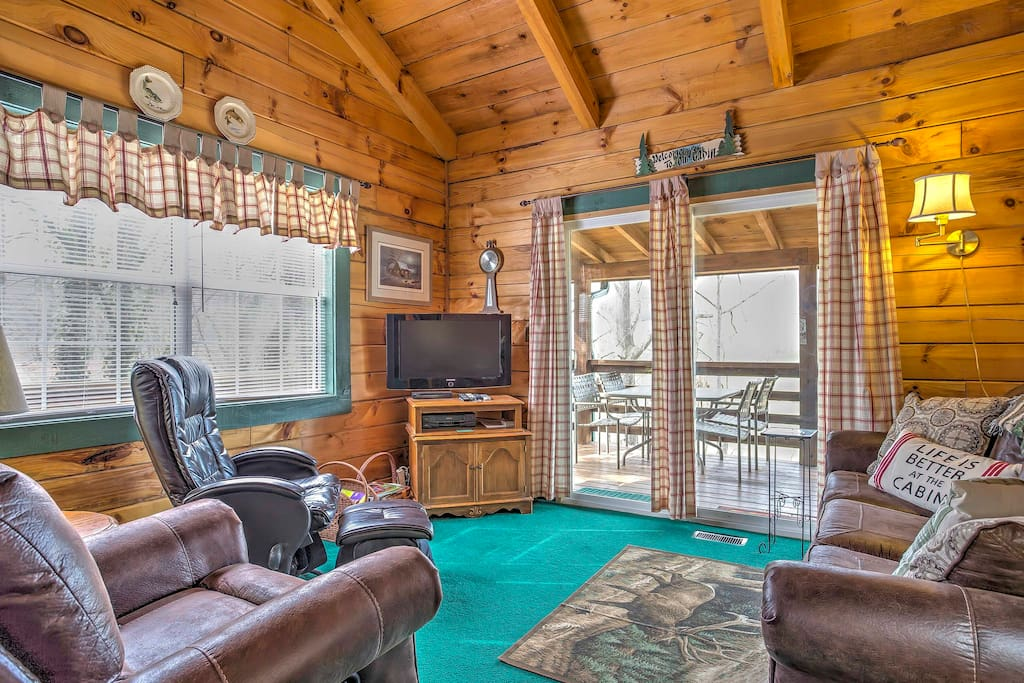 The cozy home boasts 1,623 square feet of comfortable living space.