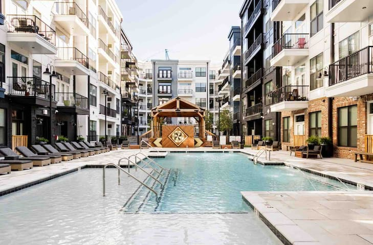 Downtown | Walk to Broadway | Pool | Balcony