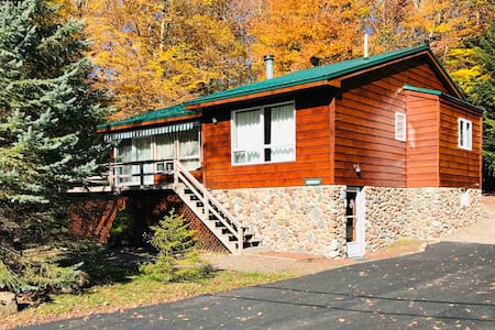 Quiet Old Forge Getaway - Mins from Fulton Lakes
