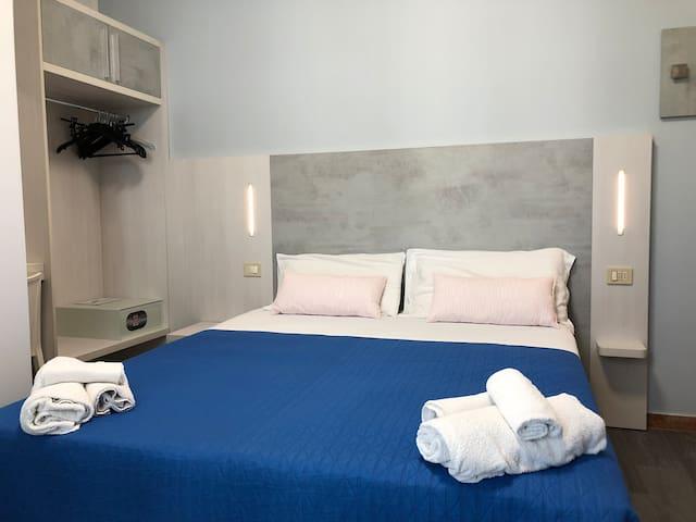 Hotel Kim room