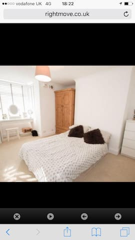 Basic double room in luxury pad