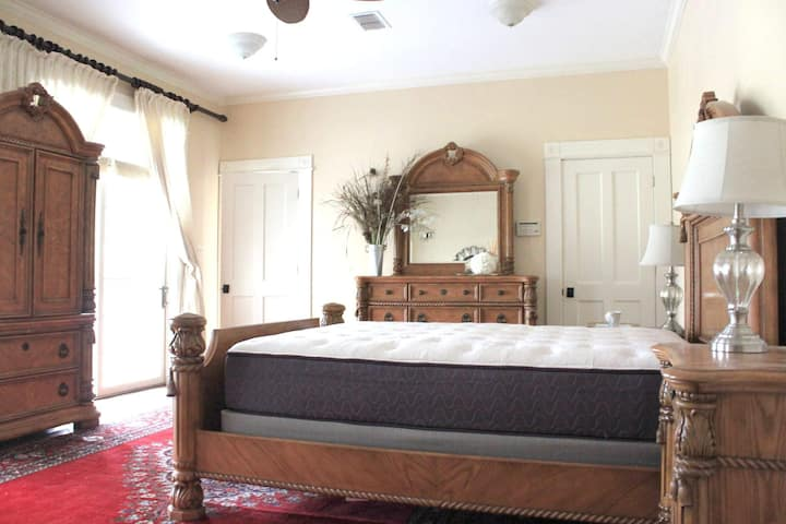 Honeymoon Suite at the Park Hill Farm