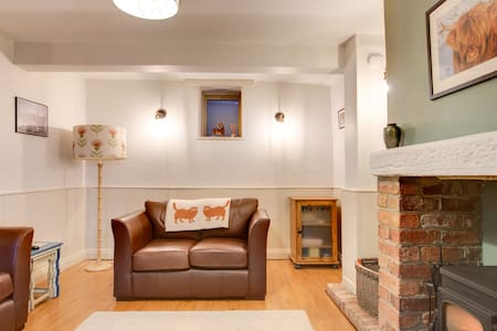 Cosy, dog friendly, Derbyshire Dales/Peak Nat Park