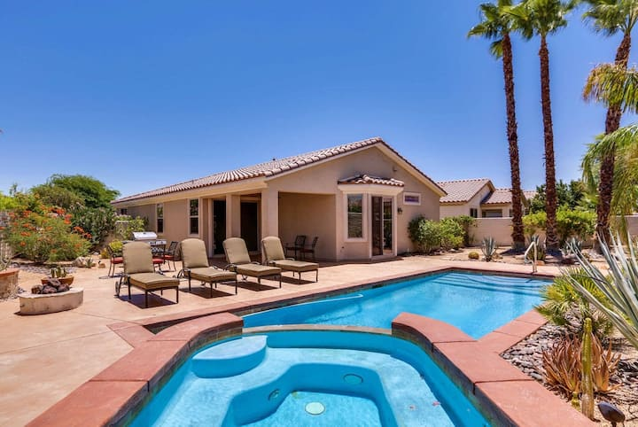 Desert paradise w/ a private pool, pool spa, furnished patio, & gas grill