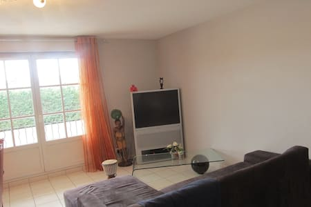Grand appartement T2 - Daire