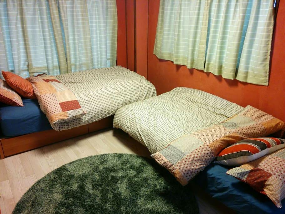 ベッド2つ