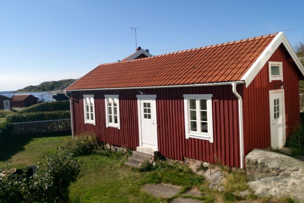 Stuga med havsutsikt mot v ster cottages for rent in for Med cottages