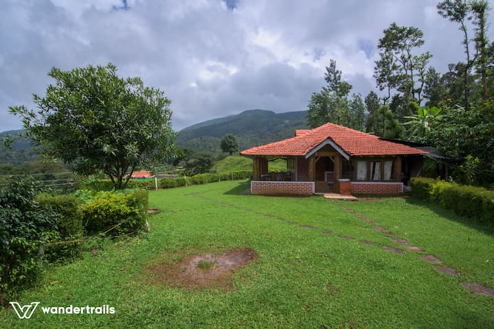 3 room cottage with hill view, waterfall & 2 meals