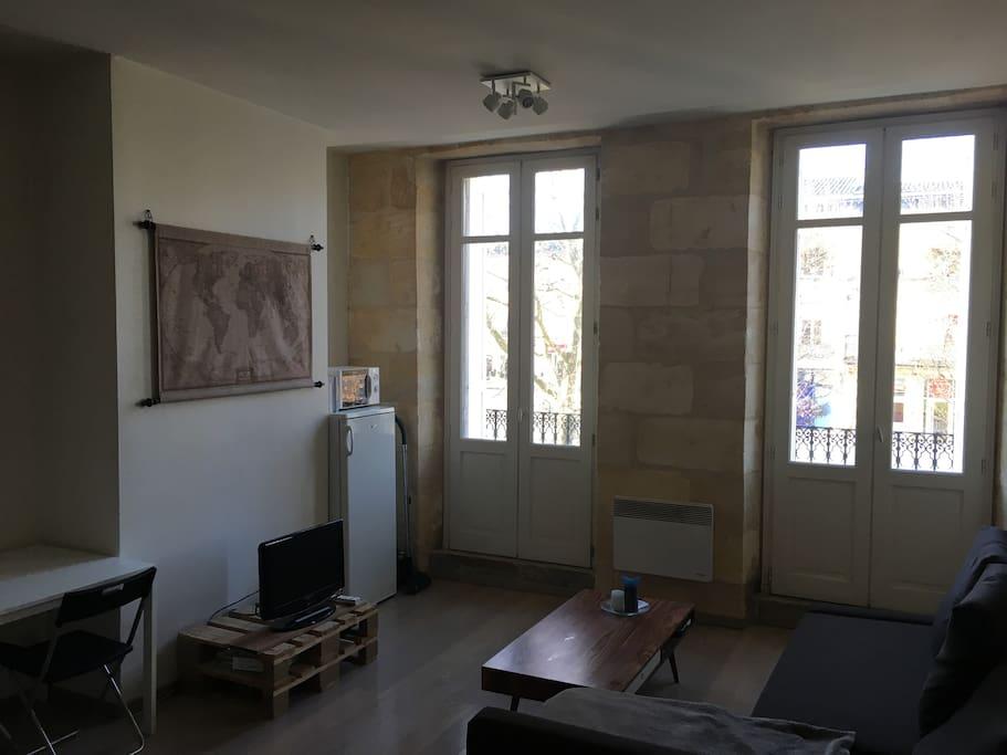 Charmant t2 pierre bordelaise appartements louer for Louer t2 bordeaux