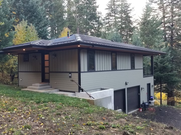 Secluded Cottage in Rural White Salmon