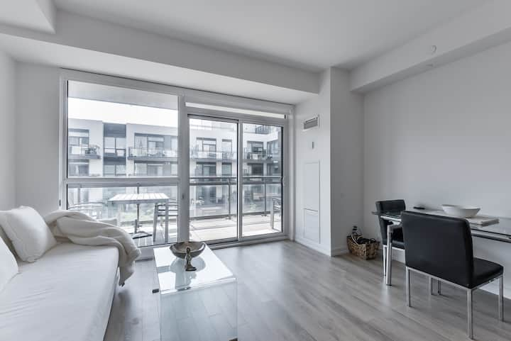 Oversized 1-Bedroom Condo At Friday Harbour