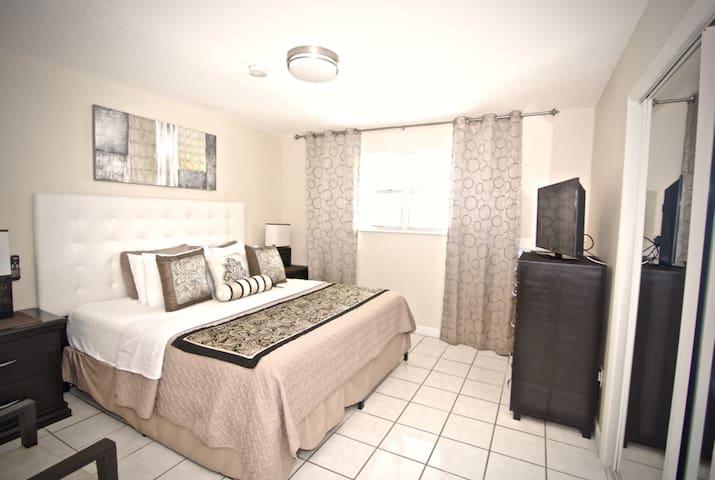 2 Bedroom Junior Suite, Pool, Kitchen, BBQ