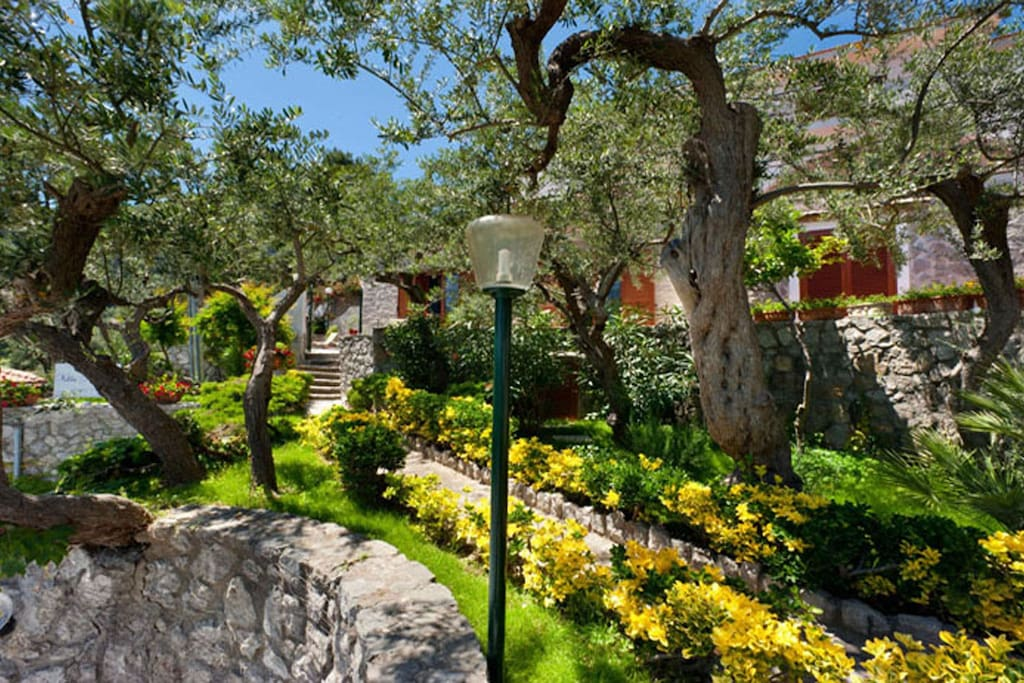 03 Villa Sirena entrance