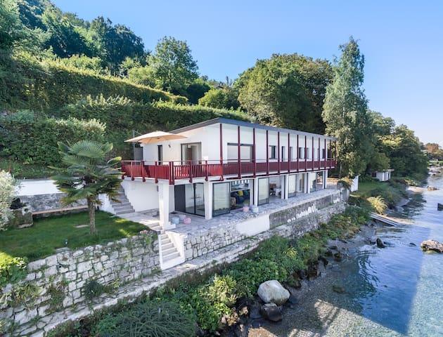 Villa paradisiaque les pieds dans l'eau, Lac Léman - Lugrin - House
