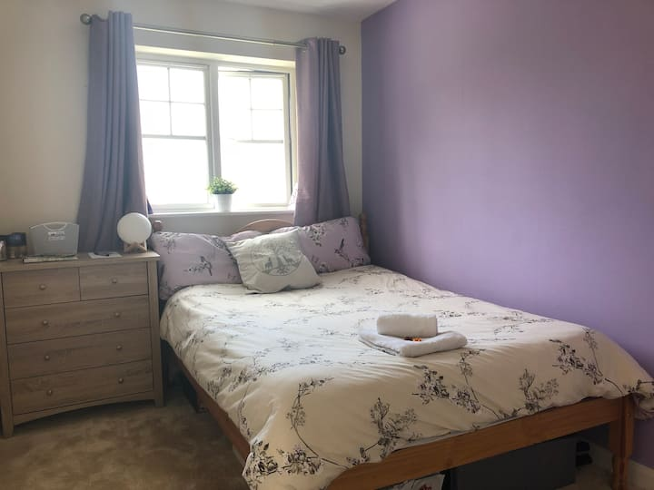 Lovely 2 double bed house TOWN CENTRE - Parking