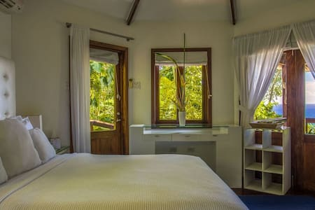 A-List One Bedroom Jamaican R&R