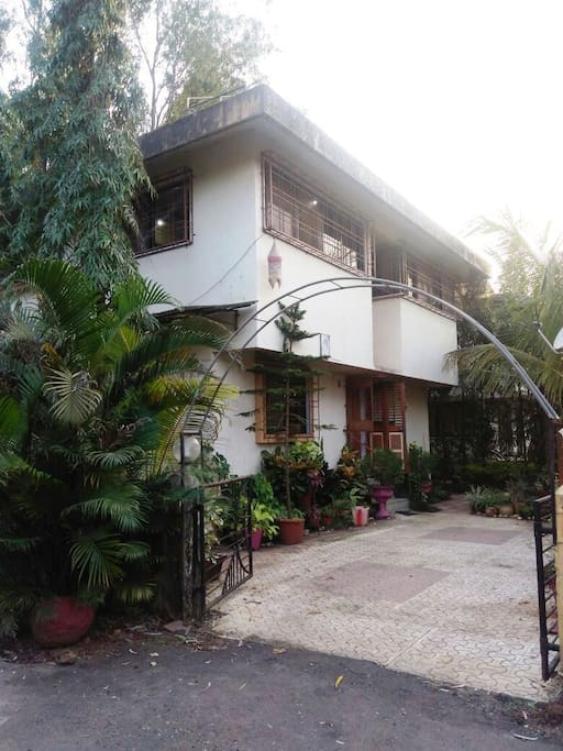 2 Bhk Bungalow With Pool Bungalows For Rent In Lonavala Maharashtra India