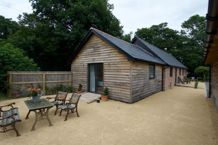 The Parlour luxury cowshed conversion level access - Robertsbridge - Huis
