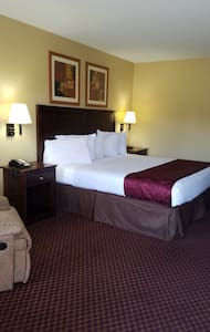 Comfortable,  clean hotel located of interstate 30