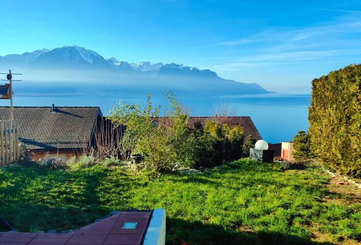 Villa avec magnifique vu et jardin avec terrasse