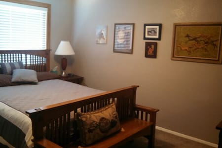 Large Furnished House - Farmington - House