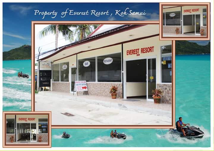 Everest Resort - Deluxe-Twin with Garden View