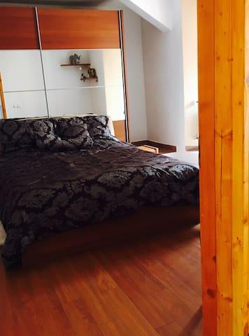 Apartament with mountain view - Braşov - Casa
