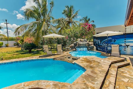 Beach Villa with Pool and Jacuzzi - Boca Chica, DR