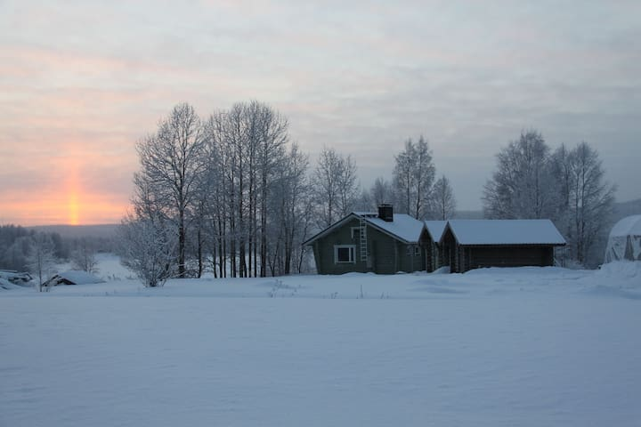 A Peaceful Cottage by the river - Rovaniemi - Casa