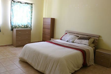 Large Private Double-Bed Cosy Room Central Malta - San Gwann - Appartement