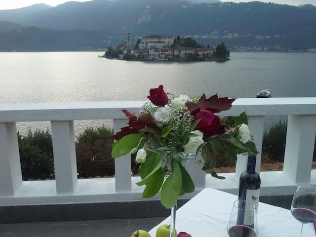 Apartment with a lake view! - Orta San Giulio - Apartemen