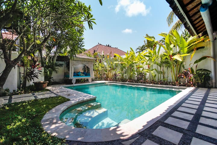 Villa Religion, 3 bd,100m from La Favela&Kdt beach